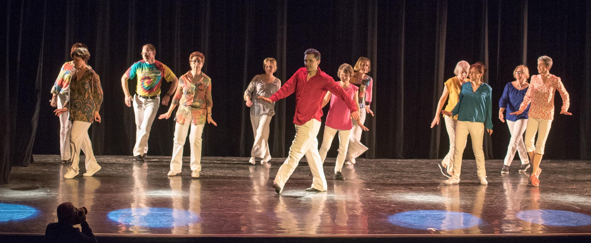 Les cours de danse de salon danse en ligne acces avon for Cours de danse de salon marseille