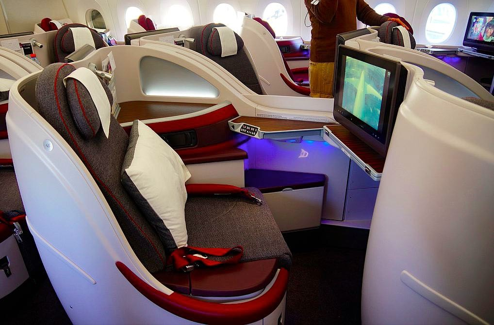 Qatar Airways A350XWB Business Class Seat