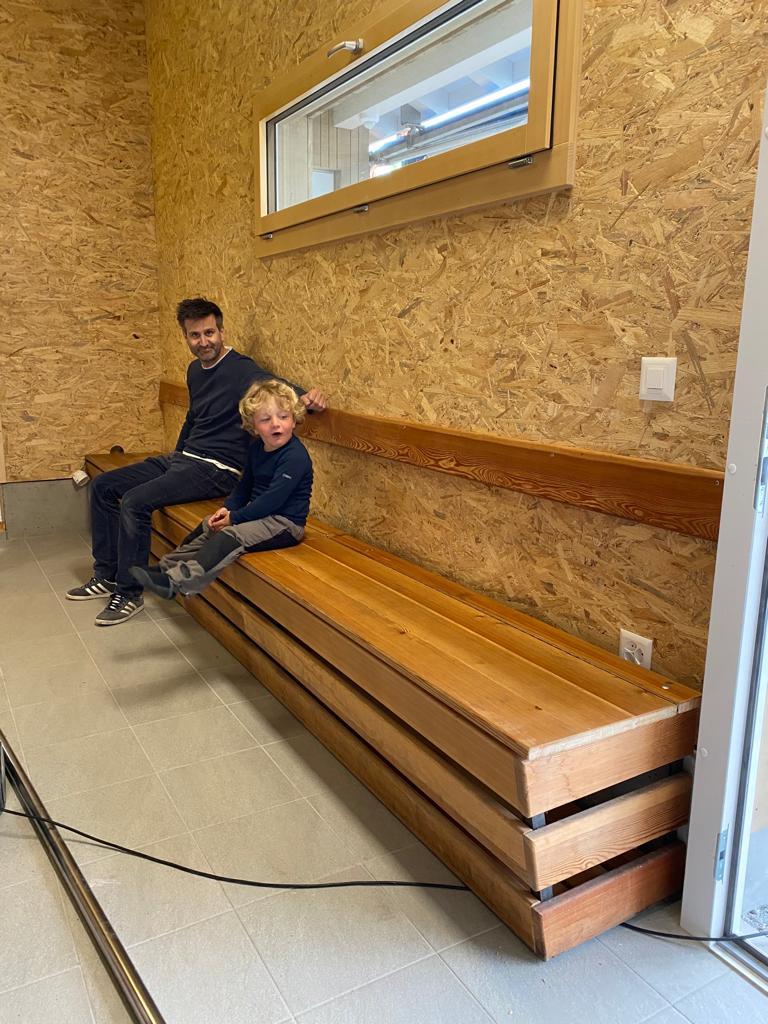 Sitzbank wurde installiert