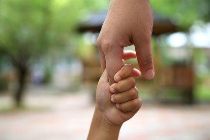 Kinder brauchen von Erwachsenen die Sicherheit einer verlässlichen Bindung.