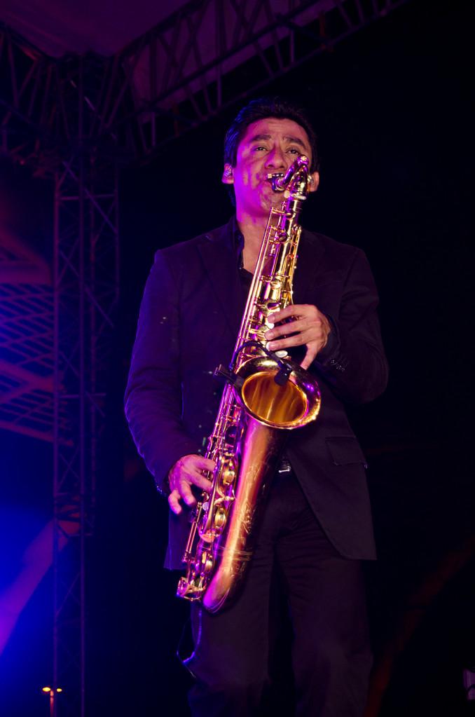 Fiesta Gala negra con Zevi Events