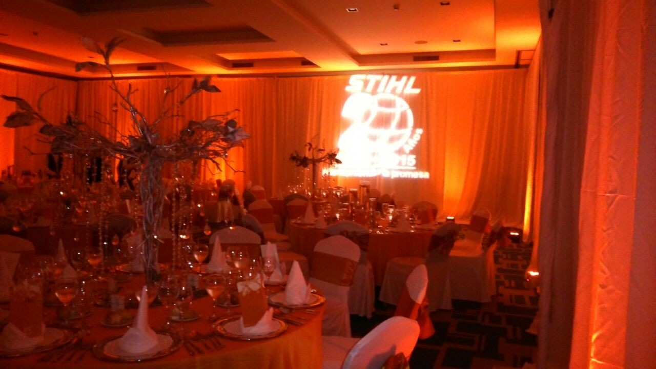 Fiesta Corporativa con Zevi Events