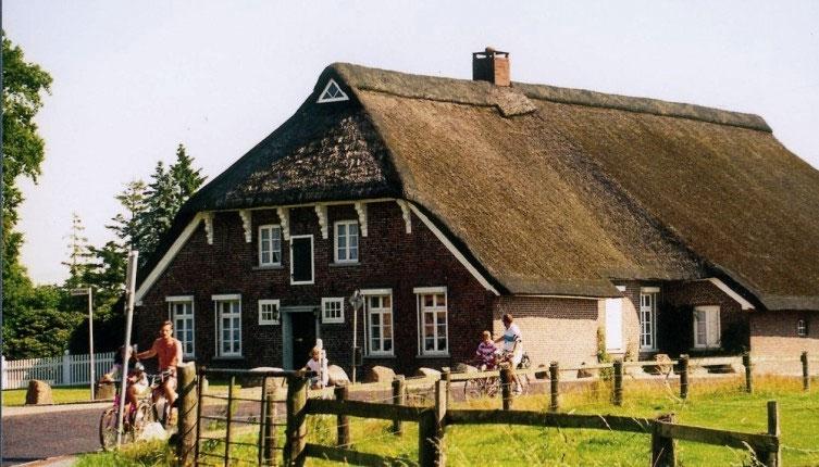 Das Hankenhaus ist das älteste Gulfhaus ( 18. Jahrhundert )  der Friesischen Wehde.