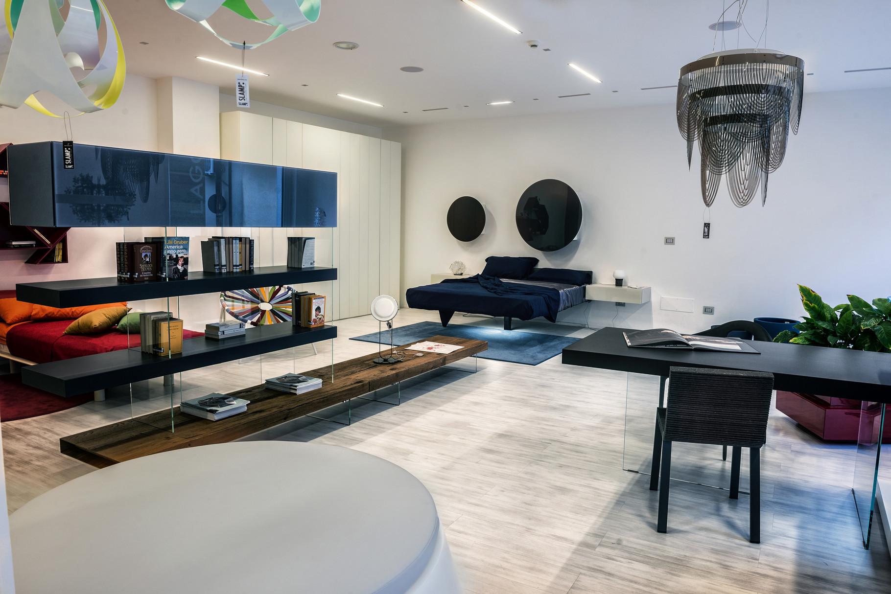 Arredamenti e mobili di design da interni s a s for Designer d interni famosi