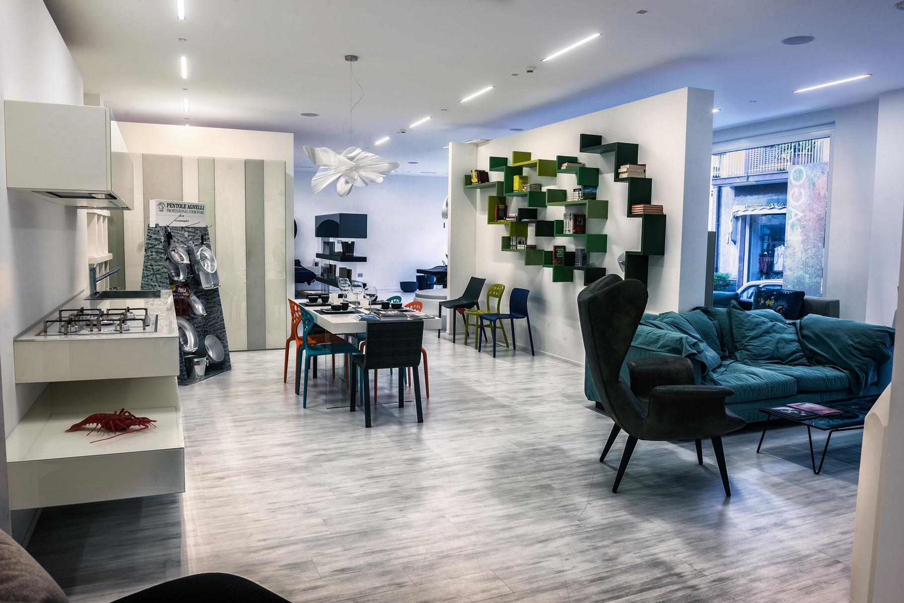 Arredamenti e mobili di design da interni s a s for Arredamenti interni da sogno