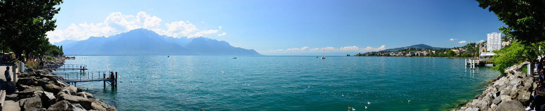 Au bord du Lac Léman, Montreux. 180°, 13 photographies.