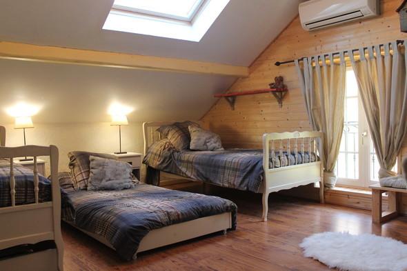 2ème chambre 2 lits + 1 lit d'appoint