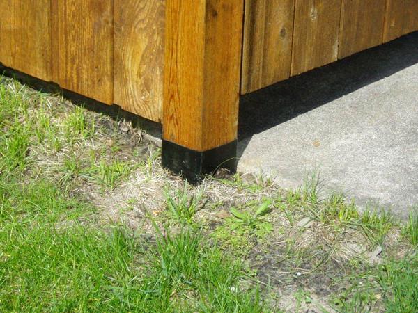 Fence application closeup