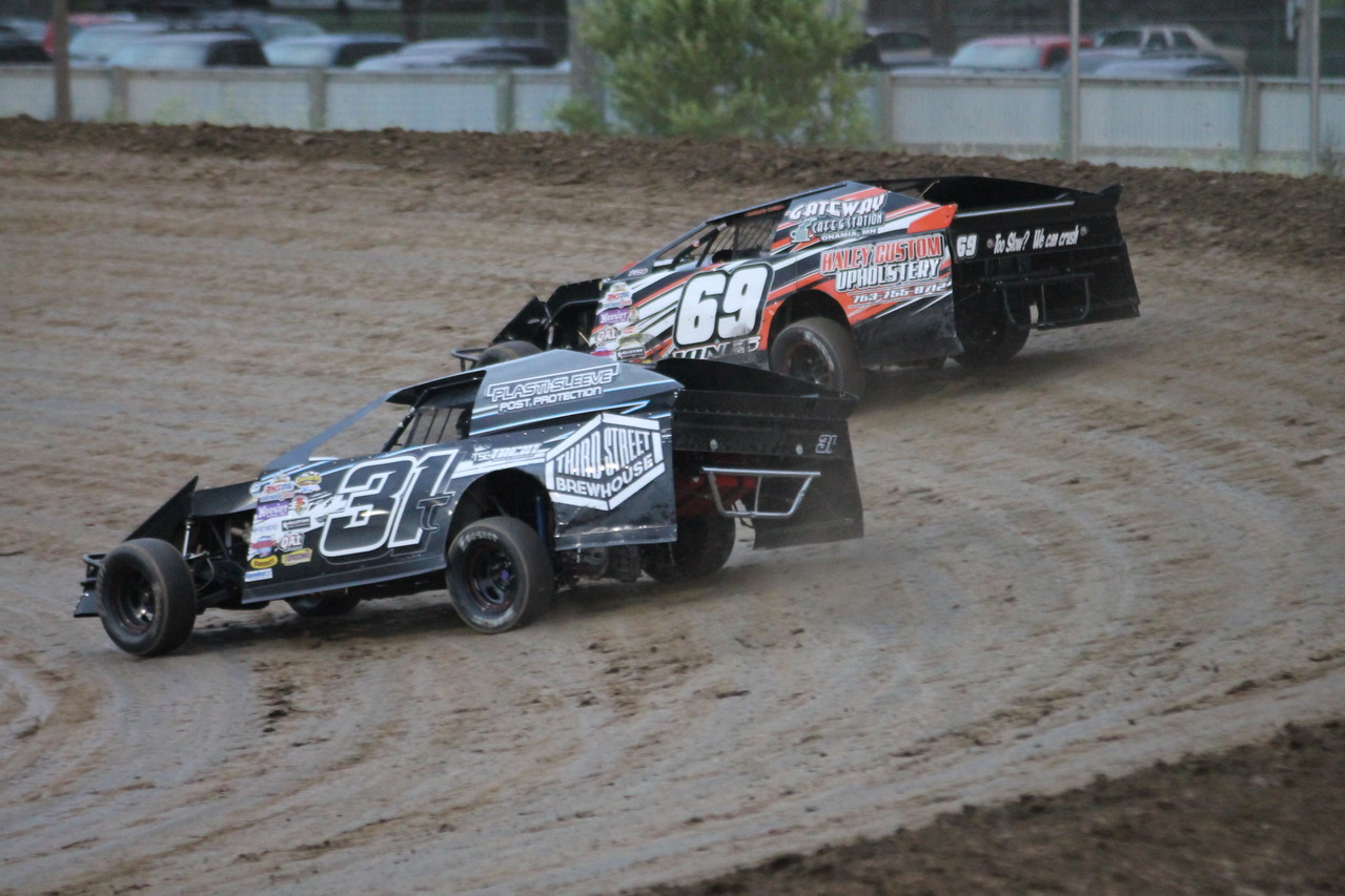 The 31T Modified with Trent Follmer at the wheel is always a threat to win.