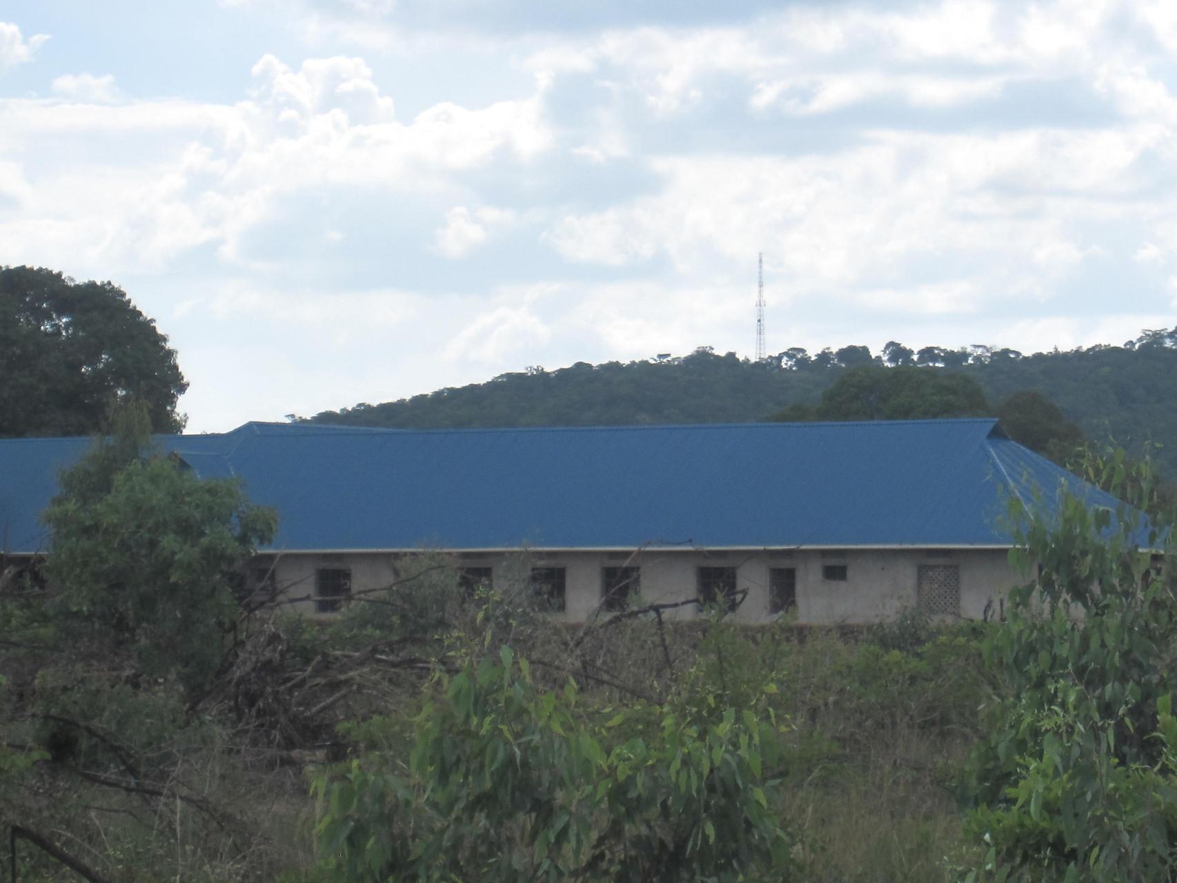 Neubau eines Mädchenheims um diesen den Schulbesuch zu ermöglichen