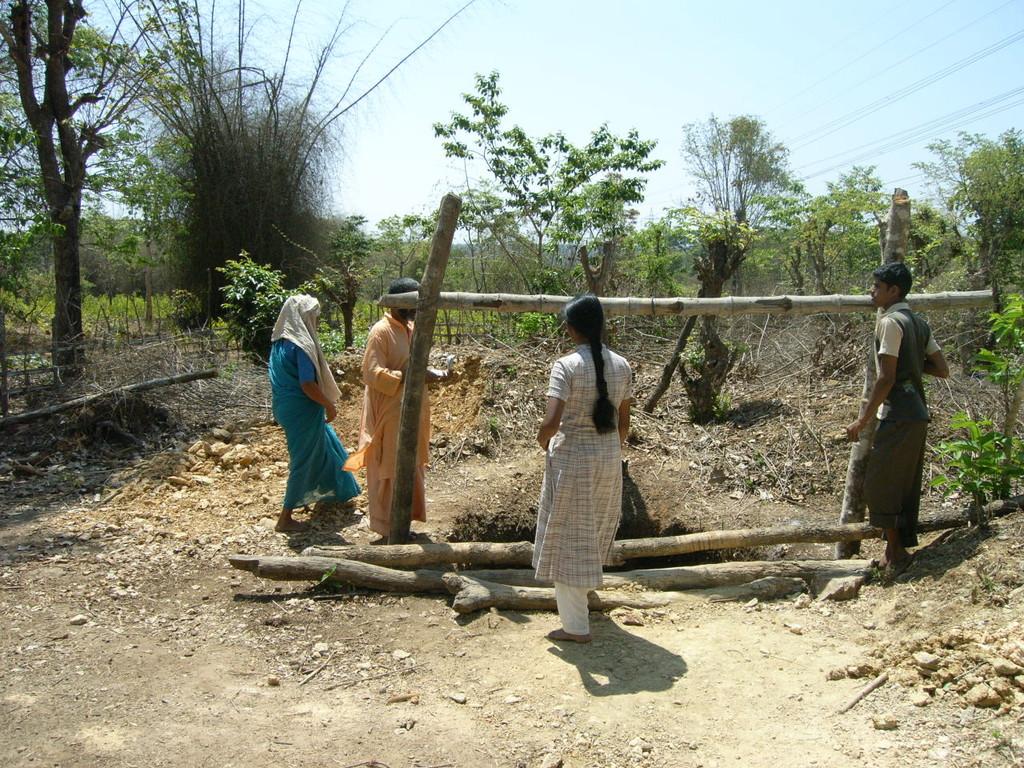 Ohne den Brunnen könnte die Farmerfamilie nur schwer überleben.