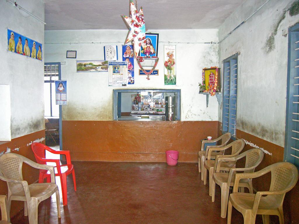 Schul- und Dorfkrankenstation in Iduvally