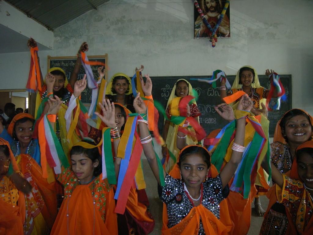 Traditionelle Tänze als Teil der Schulausbilldung