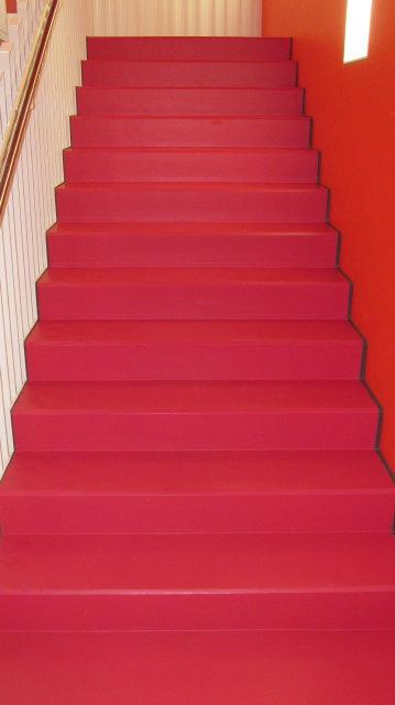 EUBOSOL PU-Fliessharzbelag auf Treppen ohne Abschlussprofile