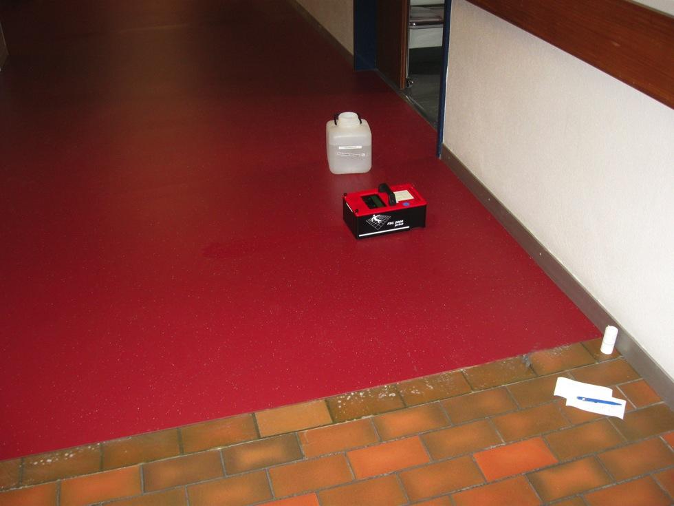 EUBOSOL PU-Fliessharzbelag Sanierung Spitalkorridor inkl. Nachmessen der Gleitsicherheit