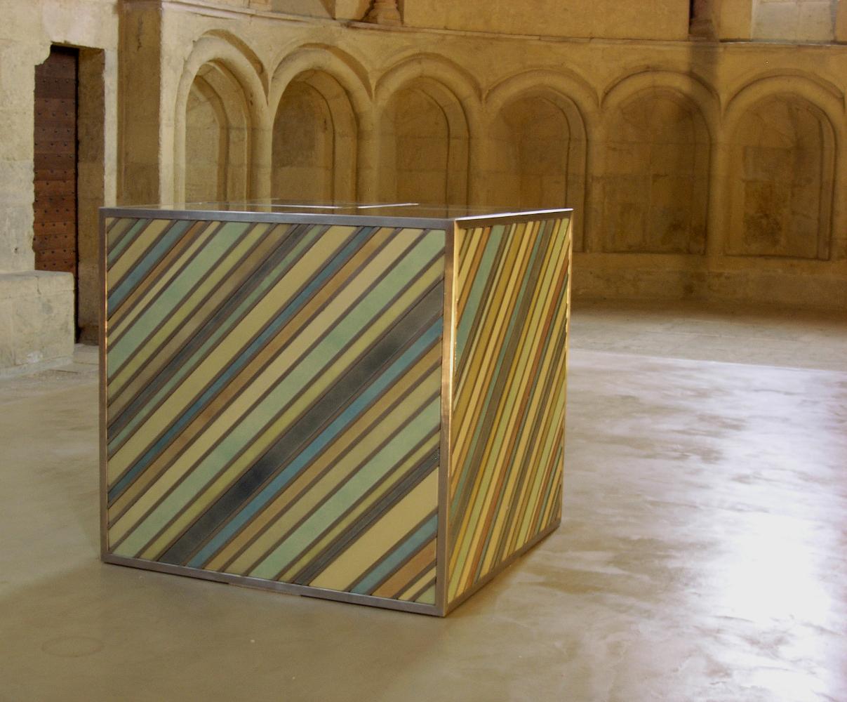 autel en verre et acier