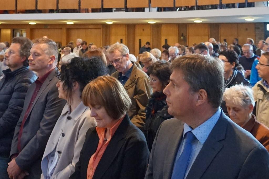 Eltern Wucknitz und Darmann zusammen mit MdL Koplin