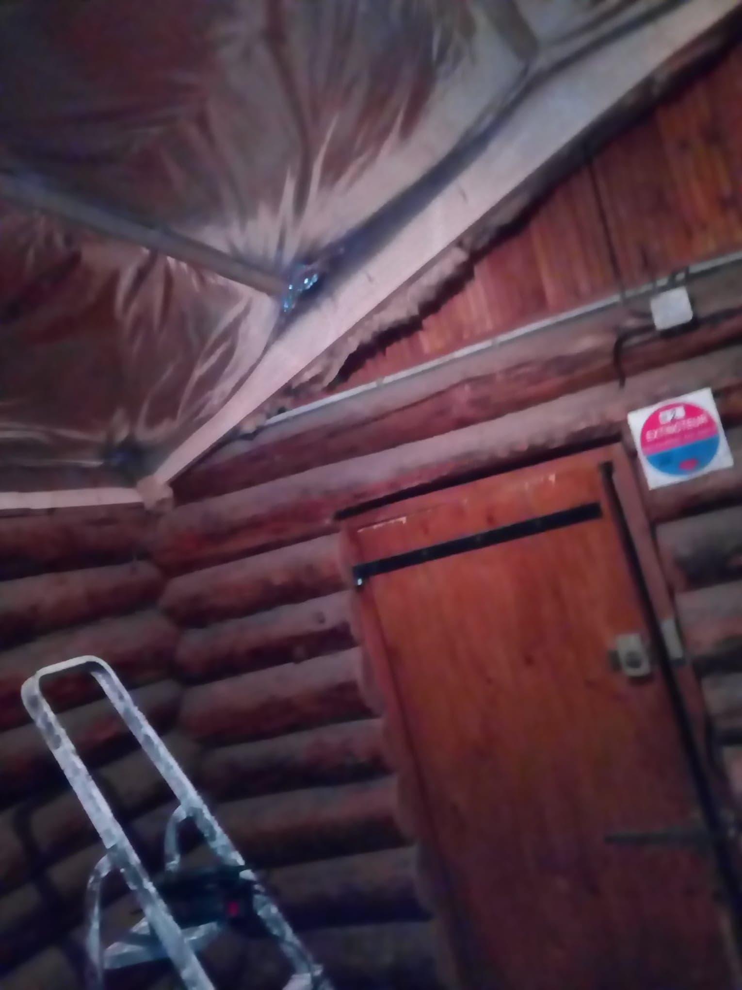 1ere fournée d'isolation au dessus de l'espace cuisine