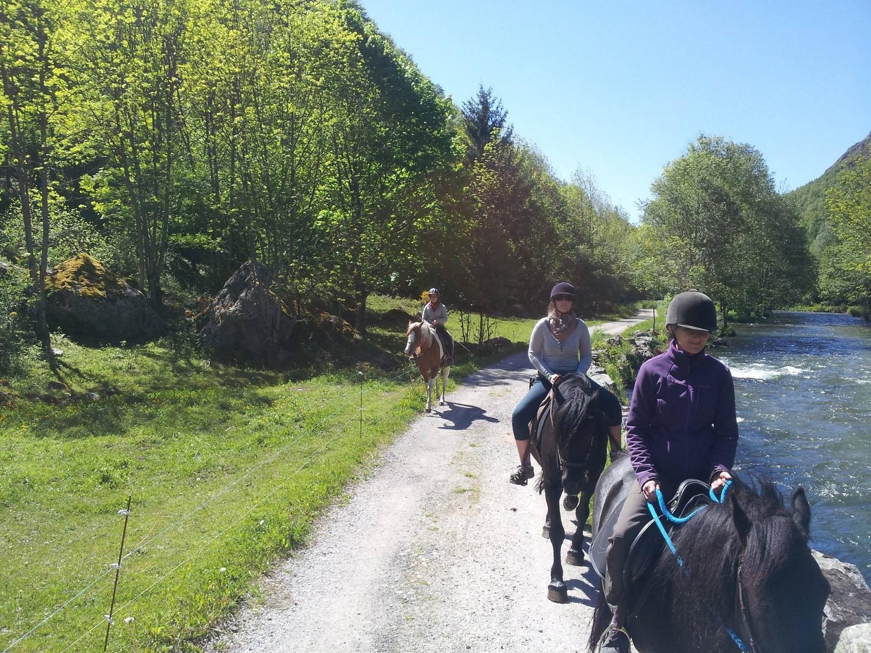Balade à cheval vallée d'Orlu