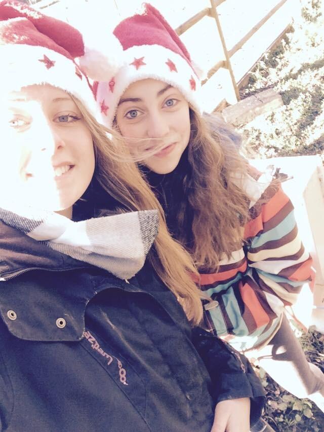 Elisa et Camille mes lutins de Noel préférés !