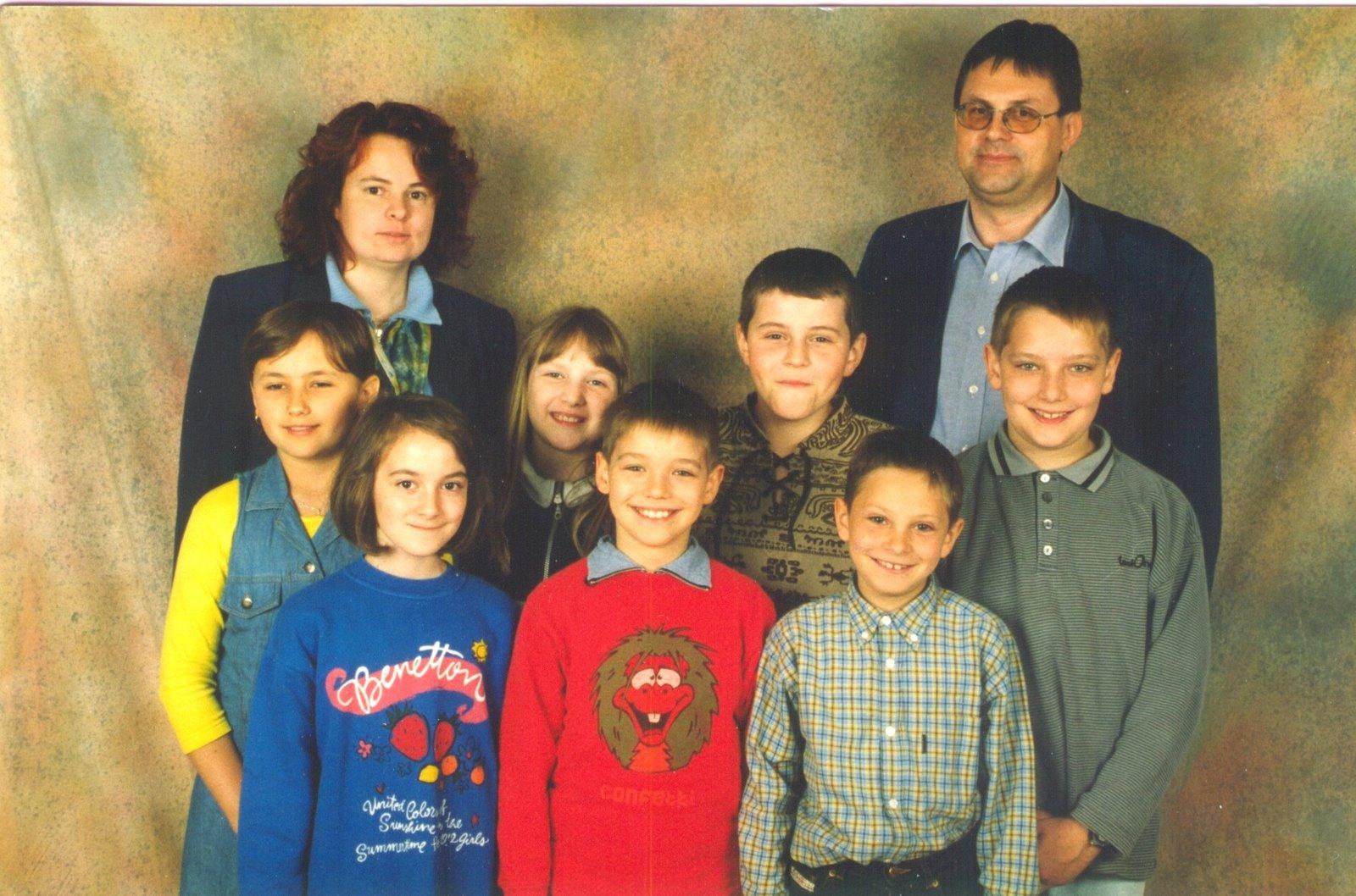1998-99  1. Kl. (1.-4. Schst.) mit Ass.L Andrea Sulyok und KL Gerhard Kappacher