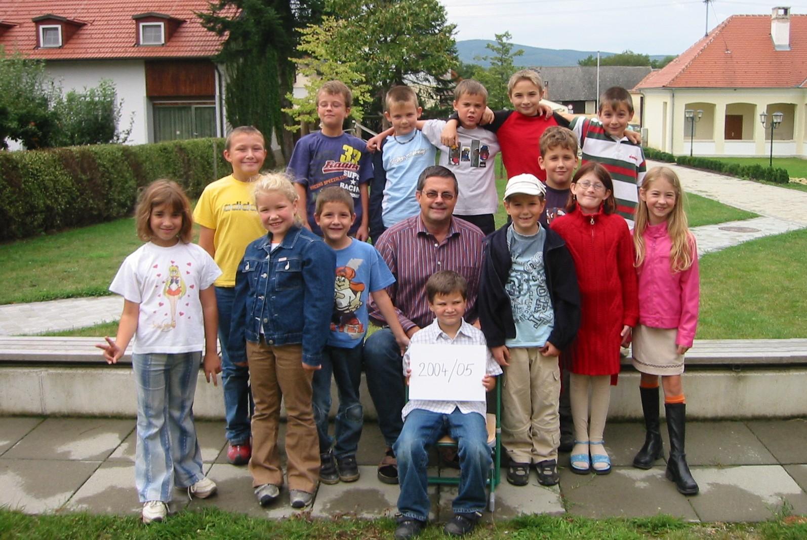 2004-05  1. Kl. (1.-4. Schst.) mit KL Gerhard Kappacher
