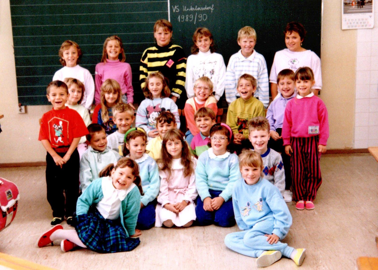 1989-90 1.-4. Schulstufe (1.+2. Klasse - ohne Lehrer)