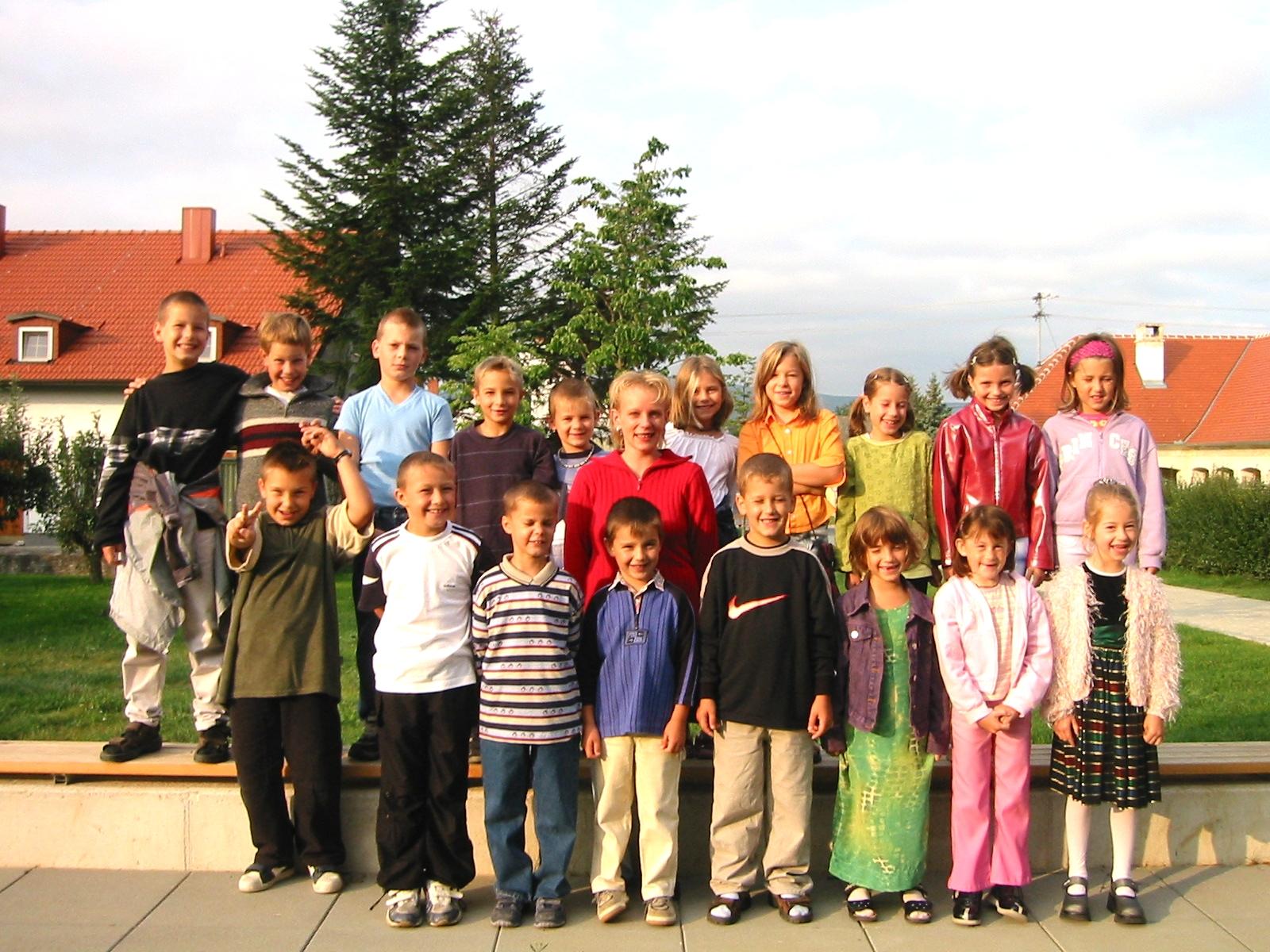 2002-03  1. Kl. (1.-4. Schst.) mit KL Michaela Ringbauer(nur 2002)