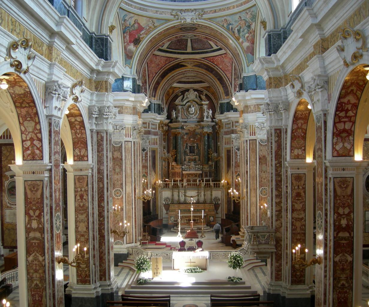 """Basilica Cattedrale """"Maria SS. della Madia"""" - Interno"""