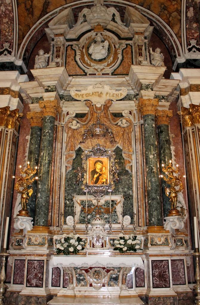 """Basilica Cattedrale """"Maria SS. della Madia"""" - Altare superiore della Madonna della Madia"""