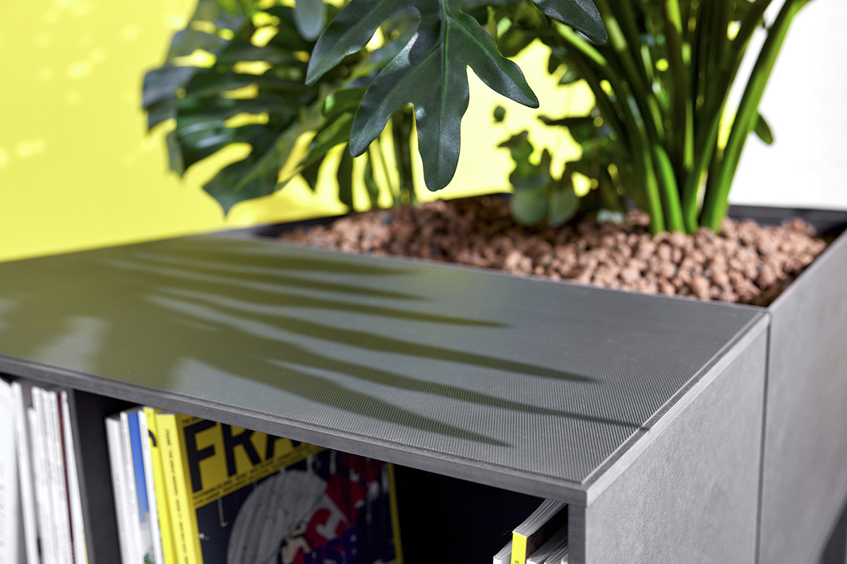 An anti-slip covering prevents the elements from moving.