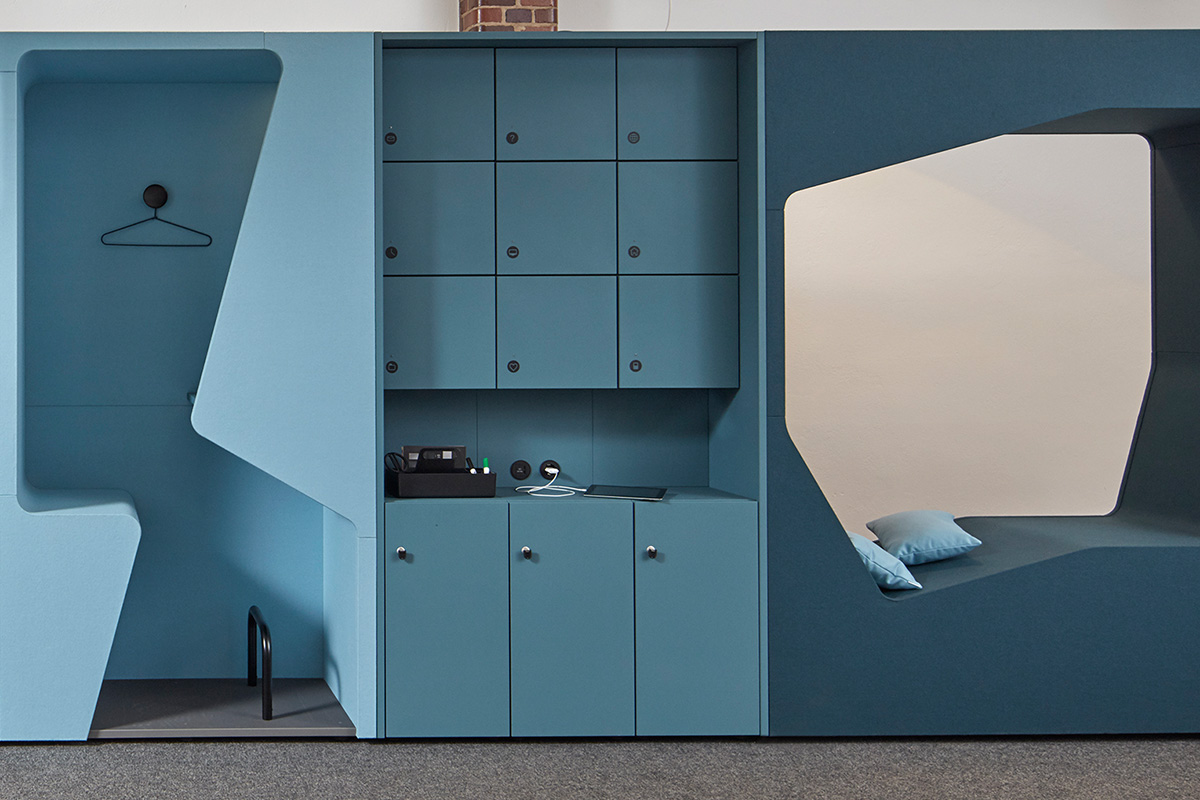 The parkour cupboard booths can be combined with werner works standard cupboards.