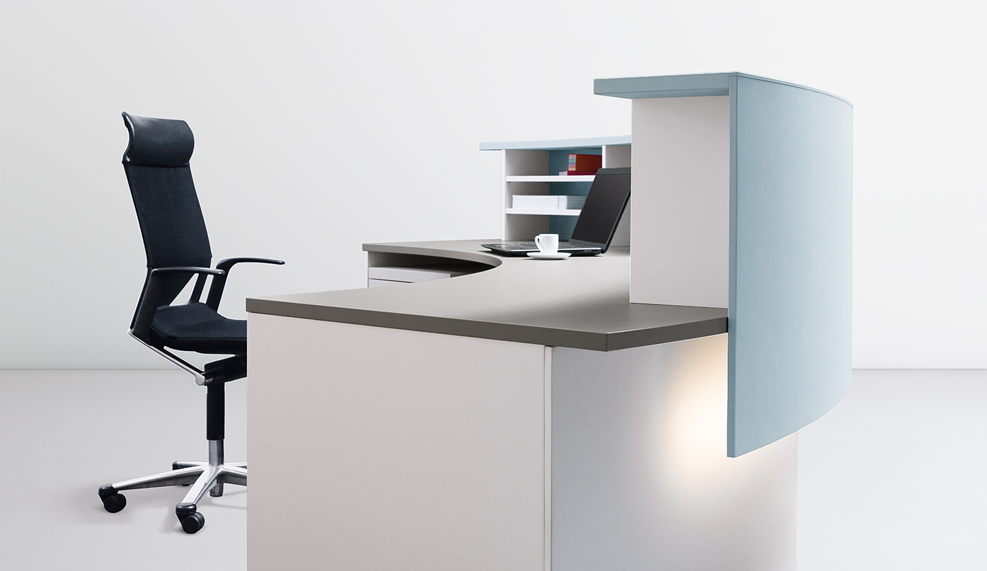 The cockpit 2.0 reception desk can also be fitted with lighting under the counter or in the base area, at the customer's request.