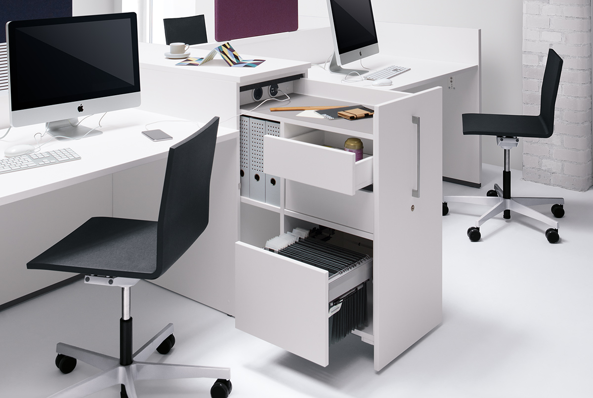 Equipment: 2 drawers, pull-out filing frame, open compartments for files, 2 power sockets