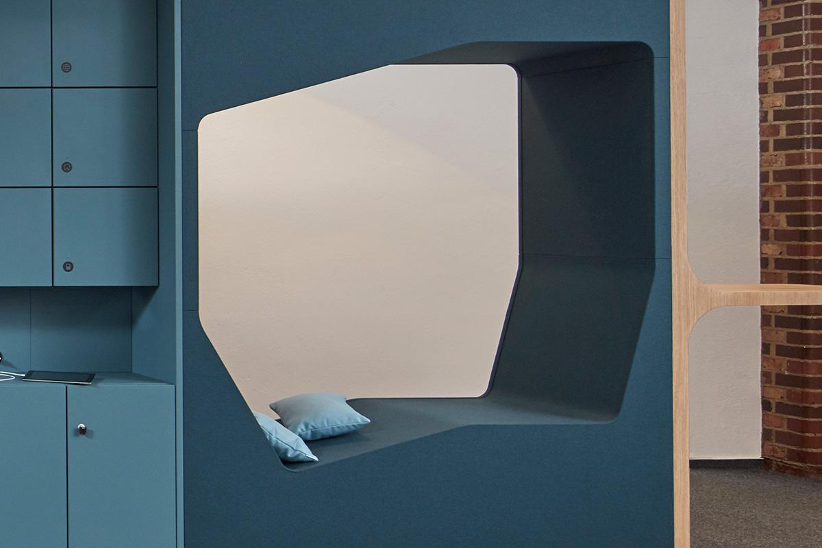 Die Schrankkoje Lounge wird mit unseren farblich abgestimmten Kissen noch komfortabler.