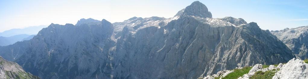 Blick auf den Triglav in den Julischen Alpen. Foto aufgenommen am Gamsowetz.