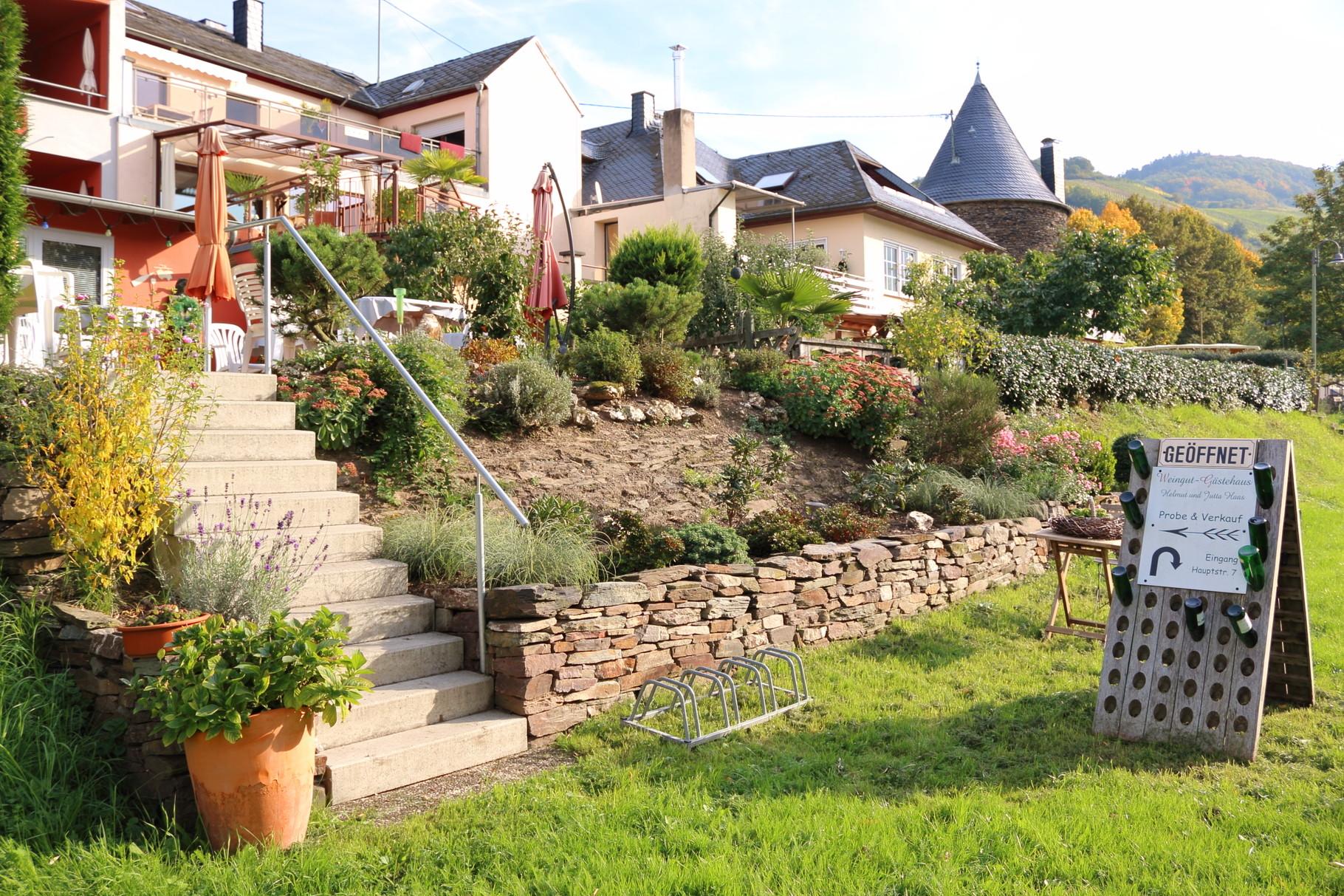 Treppenaufgang zur Gartenterrasse