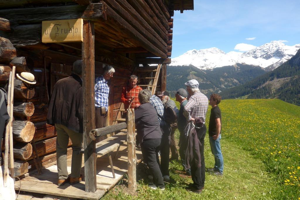 """21.5.2016: Besuch im Stallmuseum """"Uf Truaja"""" in Peist"""
