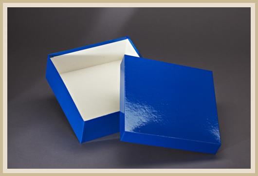 Stülpdeckelkarton blau bezogen