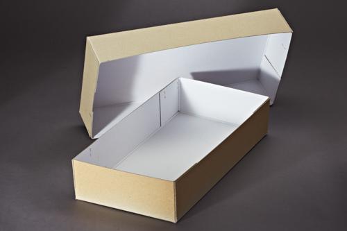 Archivkarton mit Flachheftung und Deckel.