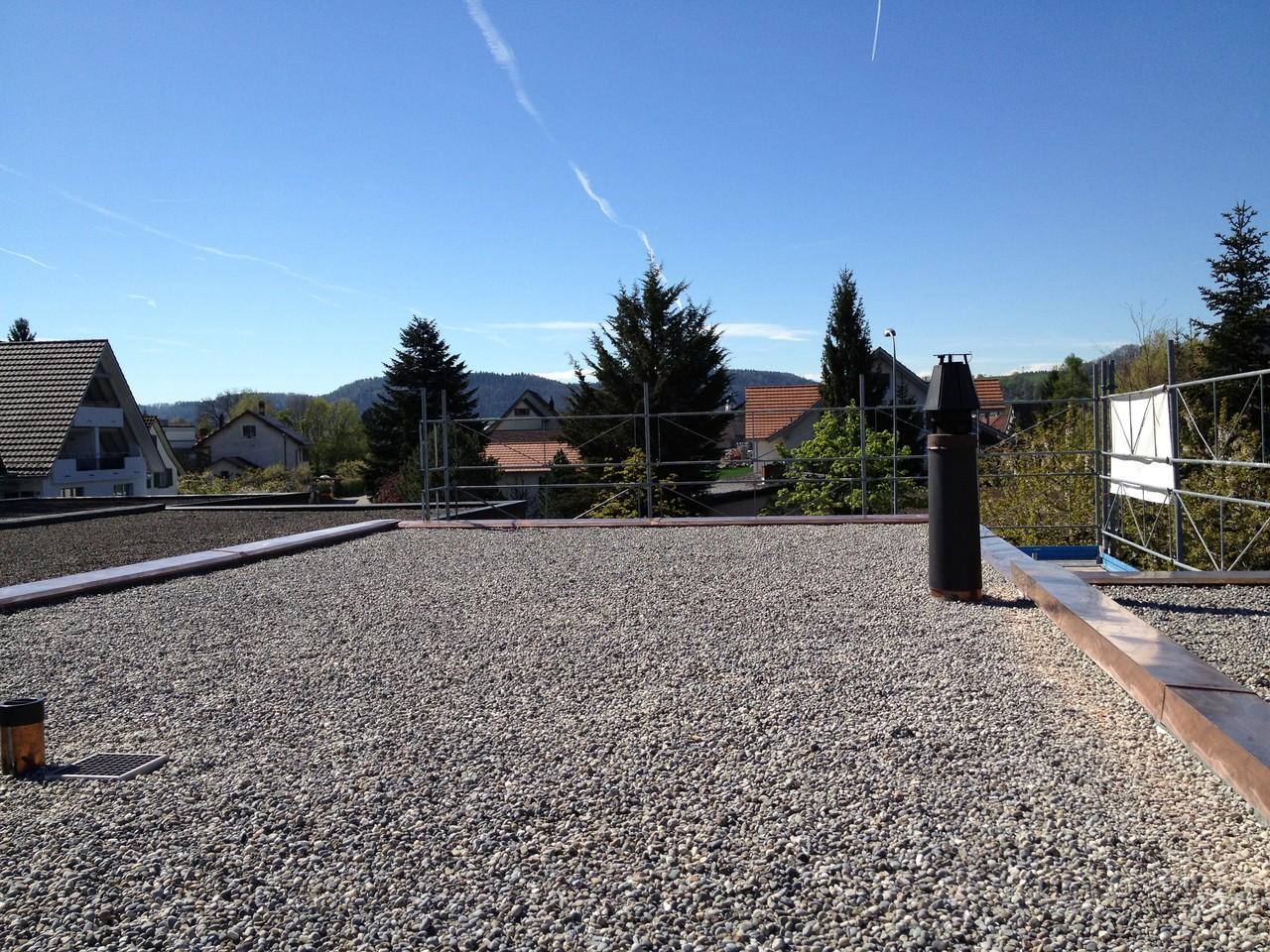 Flachdachsanierung mit Kies-Schutzschicht: Nachher