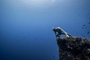 morgan bourchis plongeur apnéiste expert apnée contact booking