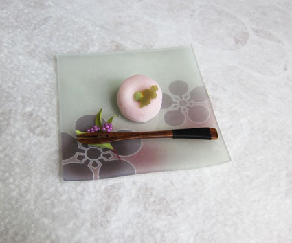Kaga Yuzen glass dish