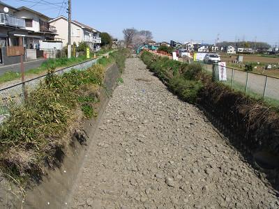 新入曽橋から下流