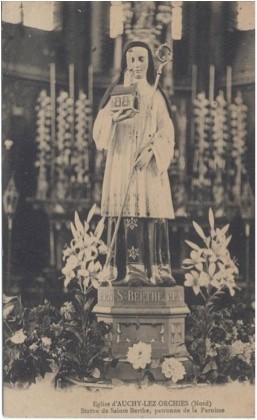 Staue de Ste Berthe, patronne de la paroisse
