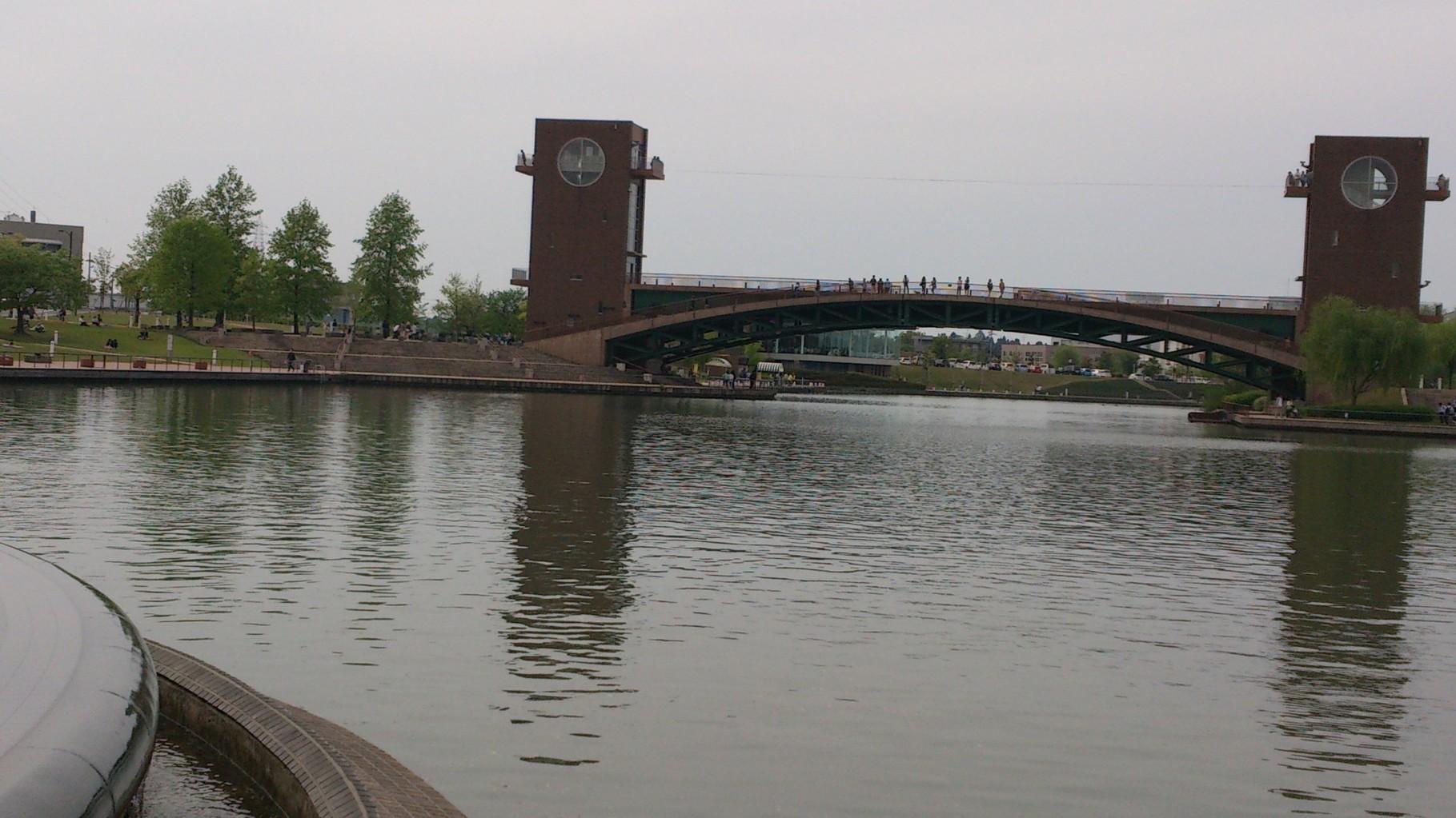 天門橋・泉と滝の広場
