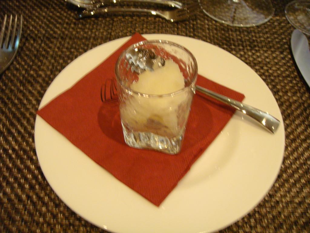 Ananas-Sorbet als weiterer Gruß aus der Küche