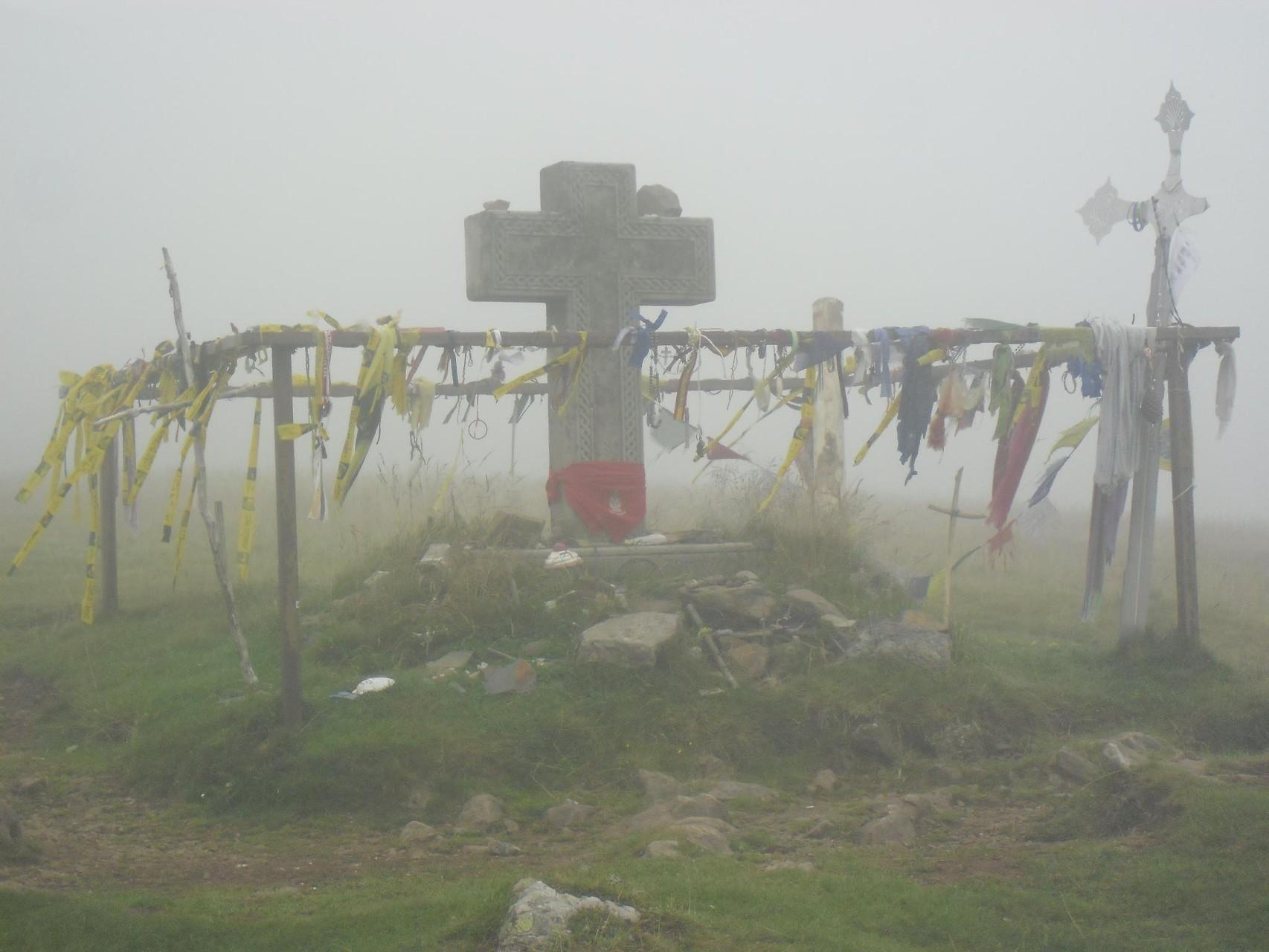 Une des nombreuses croix sur le chemin - col de roncevaux