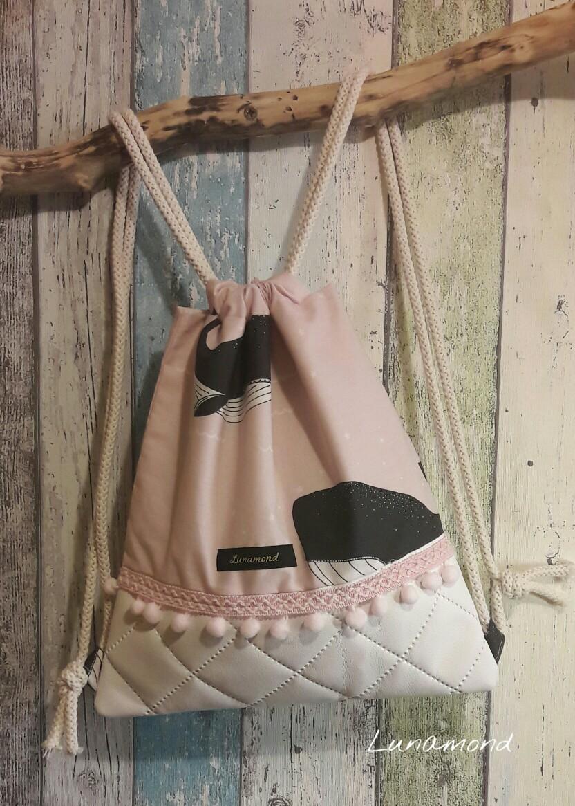Beutel Kunstleder weiß/Wale rosa