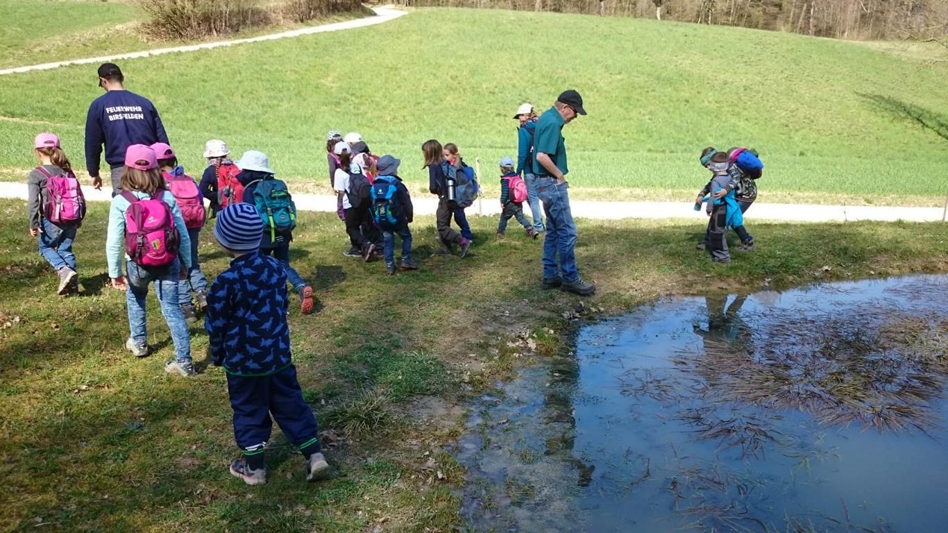 Viel Froschlaich liegt im Teich...ob bald Kaulquappen schlüpfen?